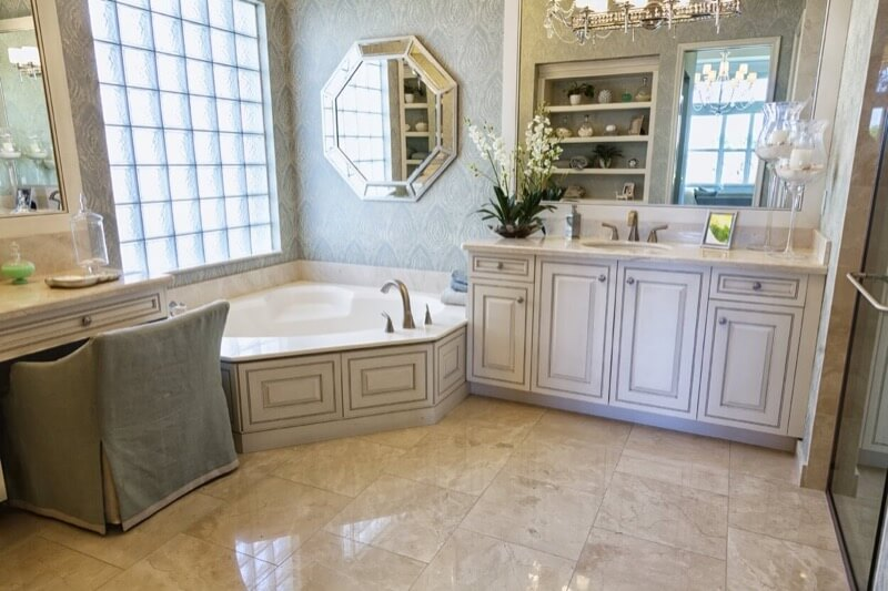 How To Include A Makeup Counter In Your Bathroom Thebathoutlet Com