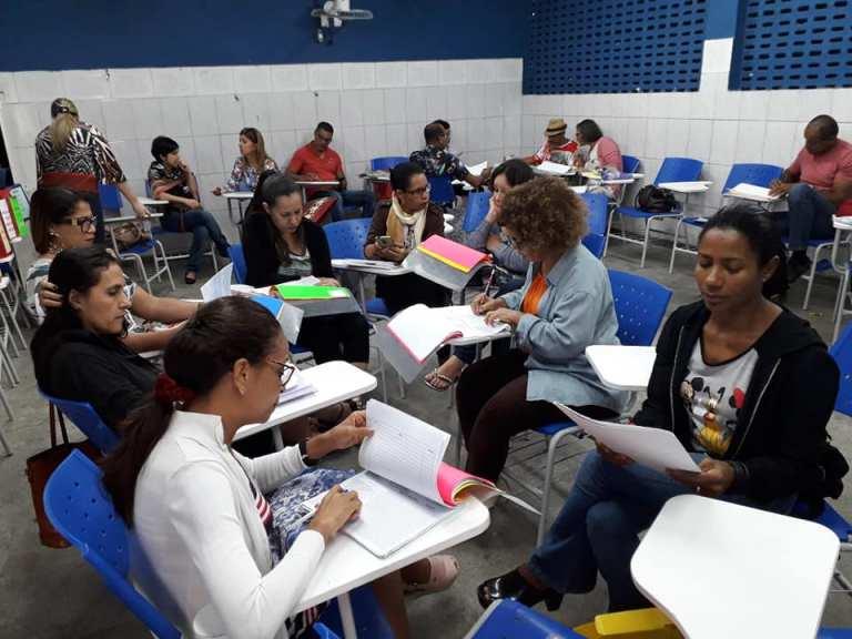Secretaria de Educação da Bahia abre 2,5 mil vagas para professor