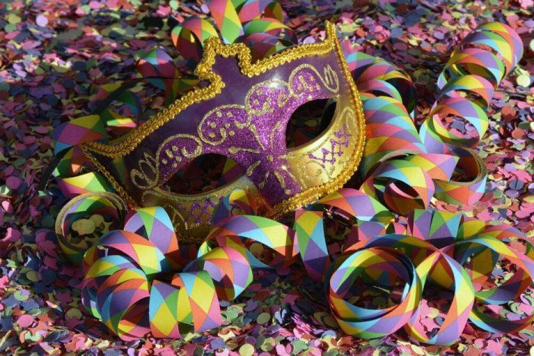 Dicas de brincadeiras para curtir o Carnaval com crianças em casa
