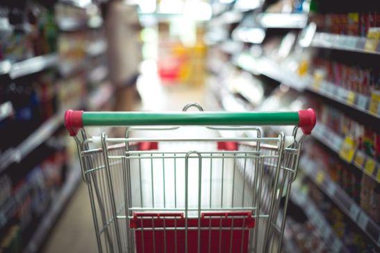 Supermercados e padarias vão poder funcionar nos feriados