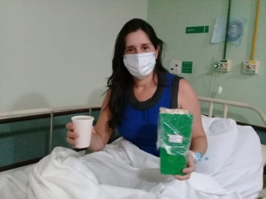 Pacientes de Covid-19 internados amenizam solidão com sessões de cinema