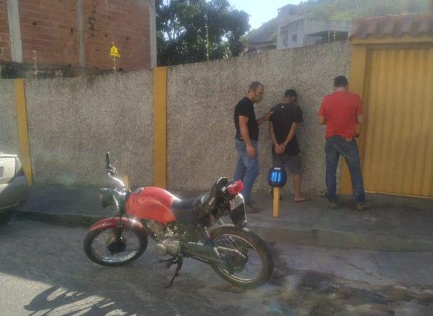 Polícia identifica motoqueiros que aterrorizaram família em Cachoeiro