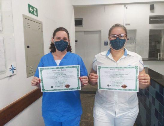 Fisioterapeutas da Santa Casa são homenageadas por trabalho na pandemia
