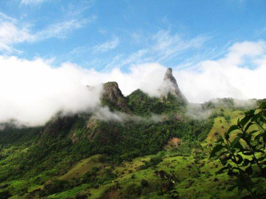 Iema flagra crime ambiental e embarga obra na Serra das Torres, em Mimoso