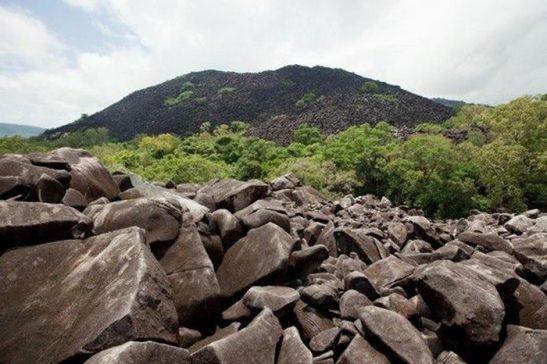 Sobre homens e montanhas: Kalkajaka, a montanha assombrada