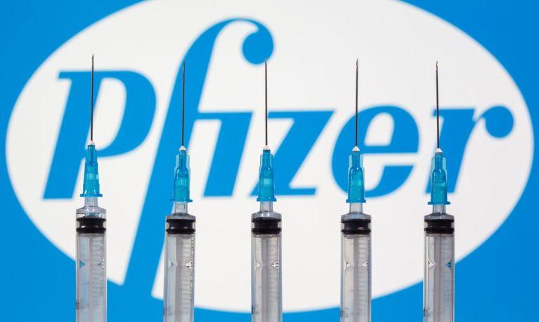 Covid-19: Anvisa certifica Pfizer, uma das produtoras de vacina