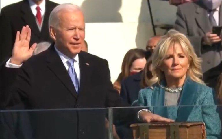 """""""Política não precisa ser fogo que queima e destrói tudo"""", diz Biden em posse"""