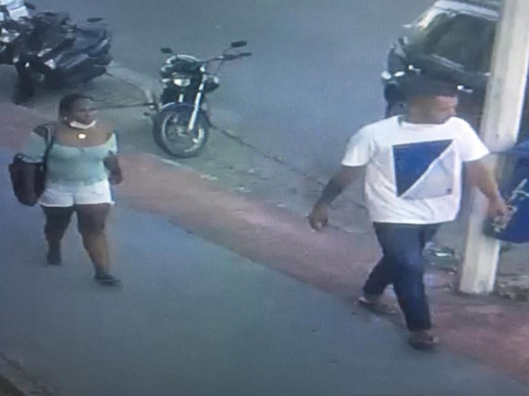 VÍDEO: Polícia tenta identificar casal suspeito de furtar celulares em Cachoeiro