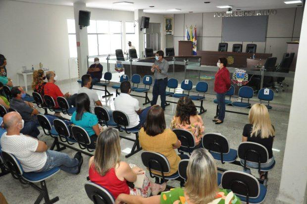 Prefeito de Guaçuí se reúne com secretários municipais e vereadores para apresentação