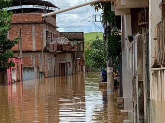 Chuva no ES: Bom Jesus do Norte tem 678 pessoas fora de casa