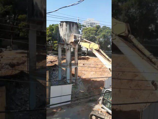 Obra do novo DPJ de Cachoeiro: veja a demolição da antiga caixa d'água