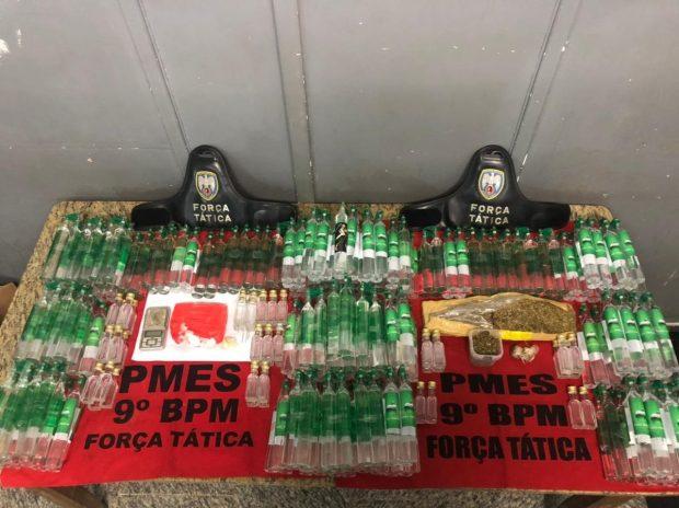 Polícia apreende frascos de loló e de lança perfume em Cachoeiro