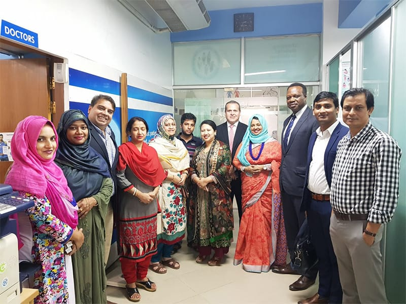 Alejandro Galinda with doctors and staff in Bangladesh