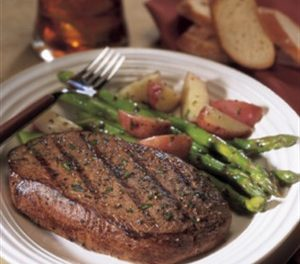 Balsamic Marinated Steak & Asparagus
