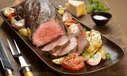 Beef Tenderloin Roast with Garlic-Roasted Vegetables