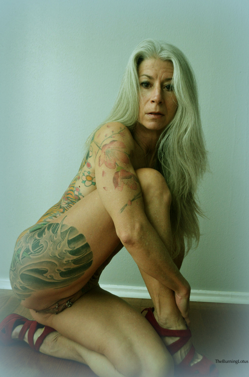 naakt Tattoo model grote zwarte kont meisje sex