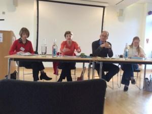 Participants à la table ronde (gauche à droite): W. Ayres-Bennett, C. Marchello-Nizia, R. Waltereit et S. Marnette