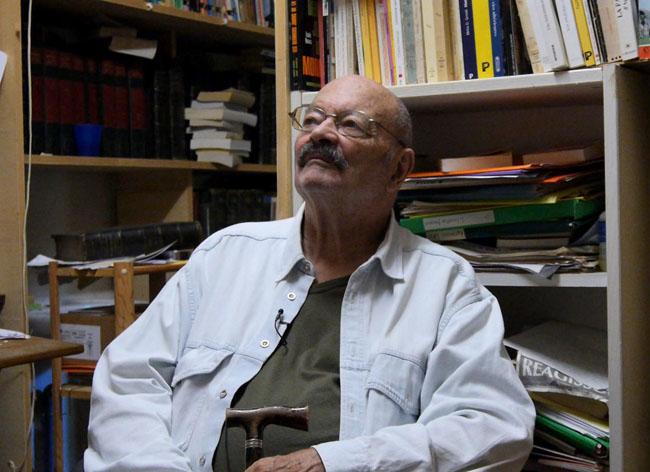 Jean-Jacques Pauvert dans sa bibliothèque / Septembre 2013 / Crédits : Nayra