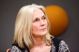 Katarina Frostenson :  «Pense, derrière chaque personne un monde» (Violente la chanson)