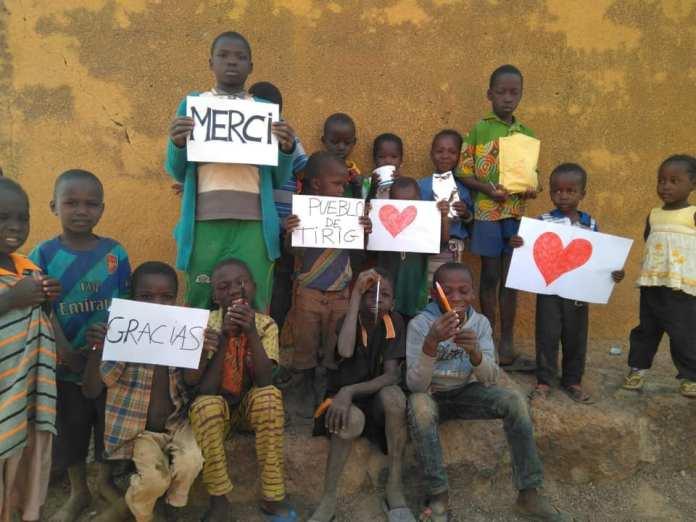 Roba, joguets i diners des de Tírig fins a Burkina Faso