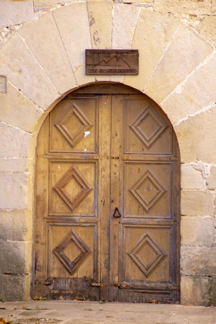 La Porta de Sant Joan de Penyagolosa tancada