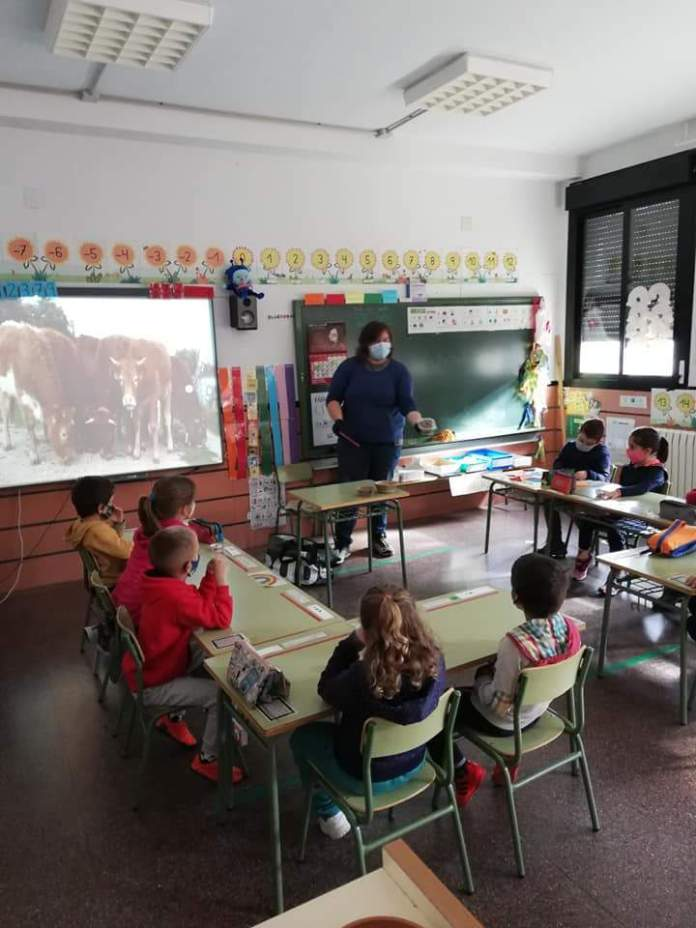 Xarrada a l'escola de Vilafranca (Foto: Igualtat Els Ports)