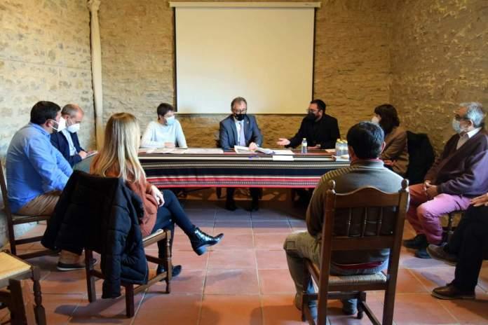 Reunió celebrada a La Mata sobre l'impacte de la nova MAT de Forestalia i els aerogeneradors a Terol