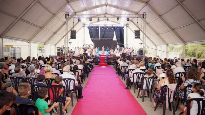 Prentació de festeretes i festerets a Albocàsser