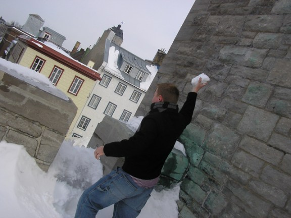 Dustin pelts the invaders from atop the Porte Kent.