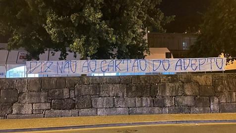 Qu'est-ce que la Cartão do Adepto contre laquelle luttent les supporters portugais?