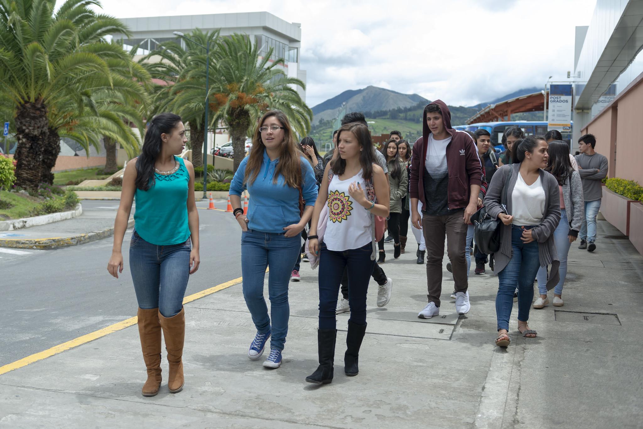 Más de 35 mil ecuatorianos iniciaron su formación de tercer y cuarto nivel en la UTPL