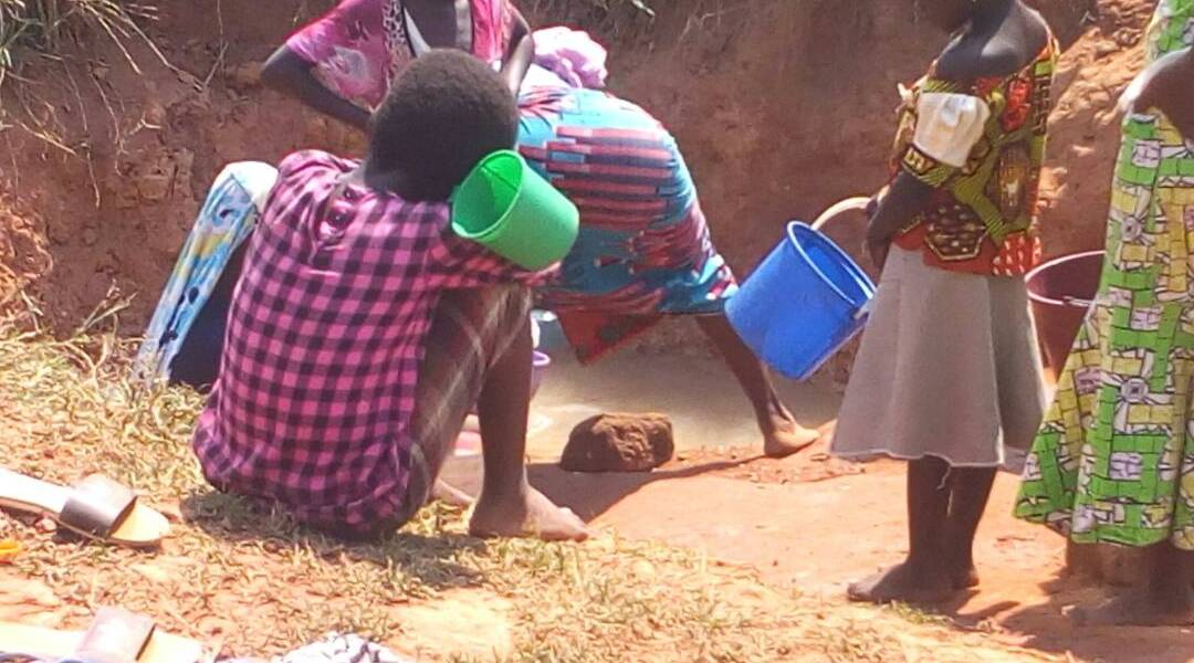 Residents of Koblimahigu wrestle for water- wants authorities to fix the situation