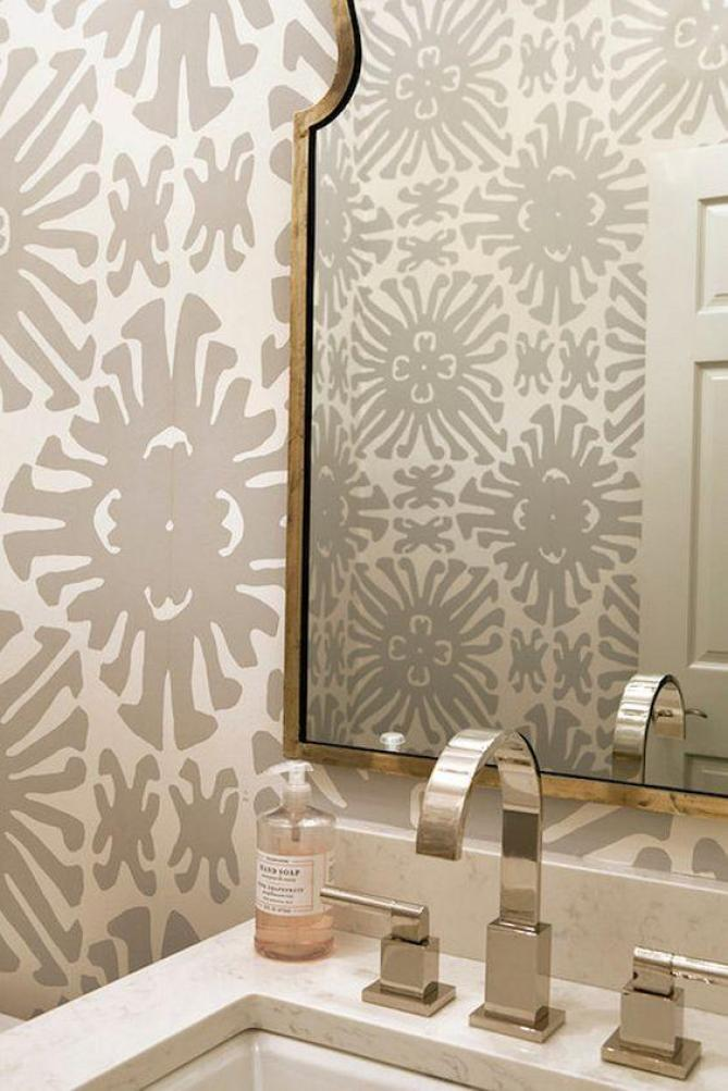 wallpaper-in-powder-room