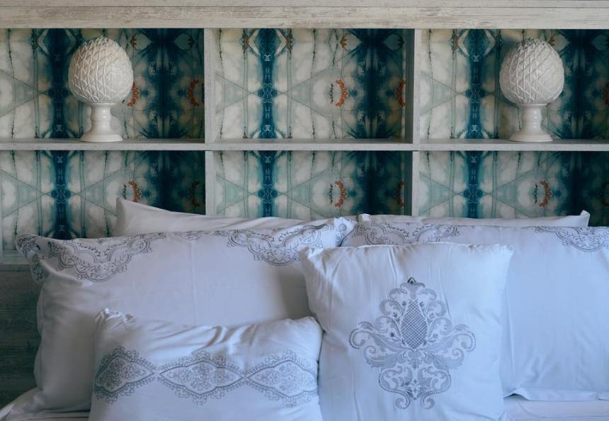 wallpaper feature wall bedhead