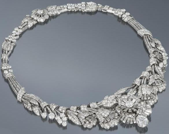 Art Deco diamond tiara necklace bracelet, circa 1935. Almost 39 carats of diamonds wearable in 3 different ways. Via Diamonds in the Library.