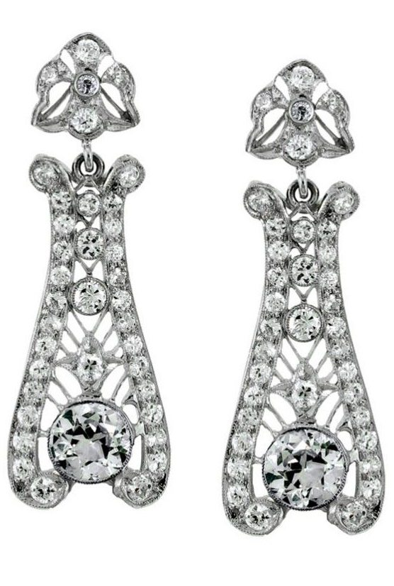 A pair of stunning Art Deco diamond drop earrings.