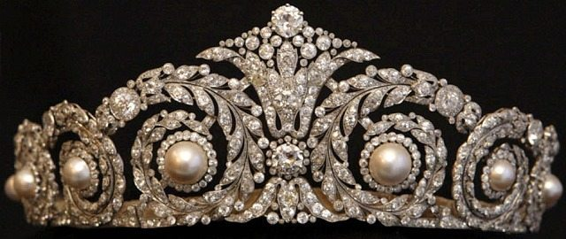 Cartier, Paris tiara which was made to order for Queen Victoria Eugenie of Spain in 1920. Platinum, with round antique and rose-cut diamonds and eight pearls.