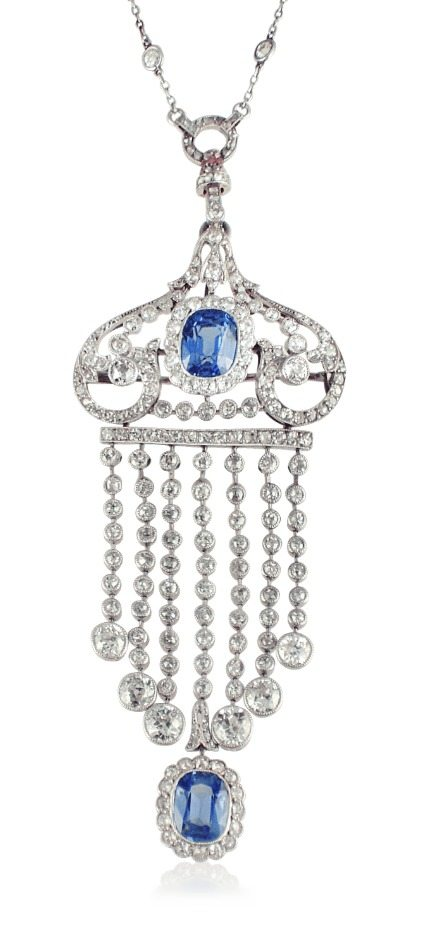 An Edwardian sapphire and diamond tassel pendant brooch. Can be worn as a brooch or on a necklace.