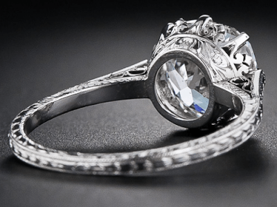 2.90 carat antique cushion-cut diamond engagement ring, circa 1915. Alternate view.  Via Diamonds in the Library.