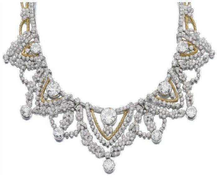 Spectacular gold and diamond necklace by Marchak. Via Diamonds in the Library.