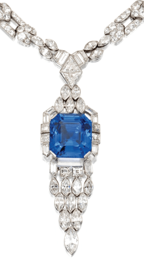 A closer look at the largest wonderful blue sapphire on this Art Deco sapphire and diamond sautoir by Lacloche Frères, circa 1925. Via Diamonds in the Library.