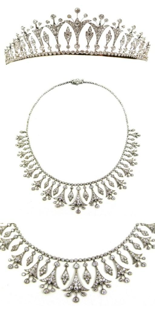 Belle Epoque diamond necklace that can also convert into a tiara, circa 1905. Via Diamonds in the Library.
