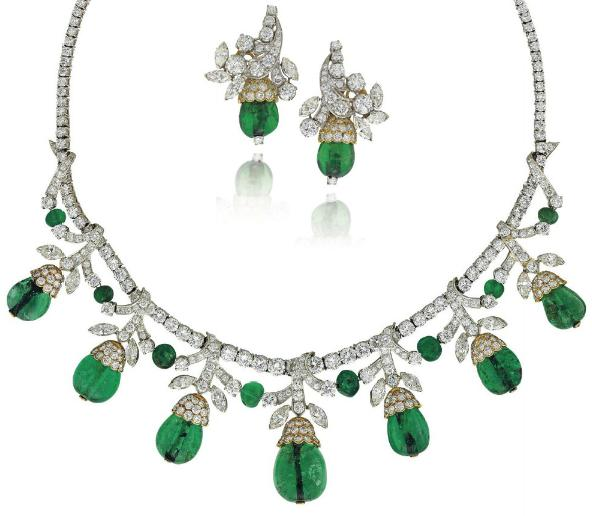 Emerald and diamond necklace and earrings, Van Cleef and Arpels. Circa 1960's. Via Diamonds in the Library.