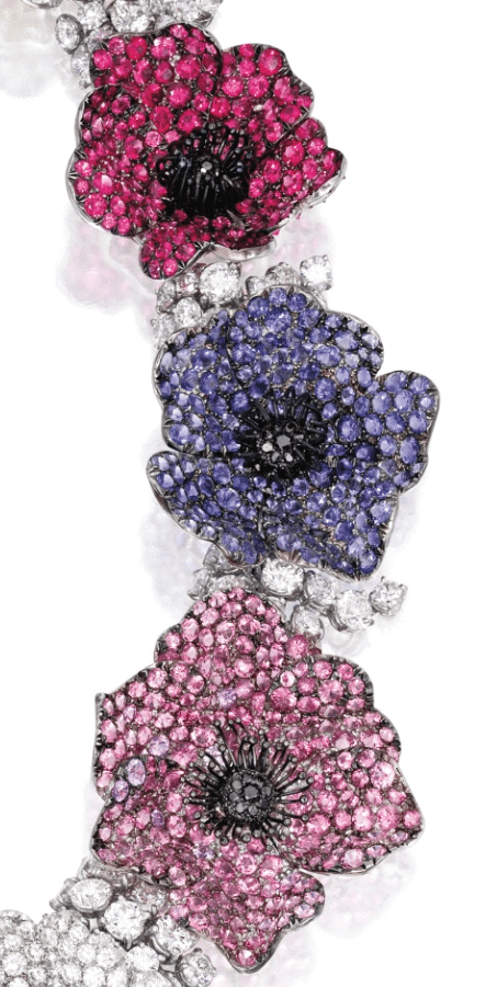 Michele della Valle necklace with 46.86 carats of diamonds with 7.45 cts of black, pink and yellow diamonds, with sapphires, amethysts, garnets, iolites, tourmalines, and spinel. Detail.