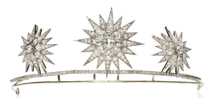 Antique diamond starburst tiara, circa 1890. The starbursts detach and may be worn separately as brooches. Via Diamonds in the Library.