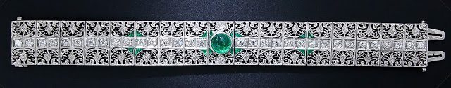An antique emerald and diamond bracelet, circa 1910-1920. Via Diamonds in the Library.