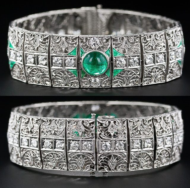 Antique emerald and diamond bracelet, circa 1910-1920. Via Diamonds in the Library.