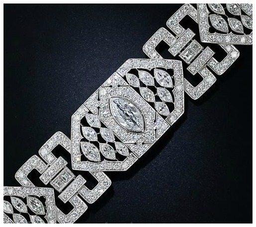 A classic Art Deco 26 carat diamond and platinum bracelet. Via Diamonds in the Library.