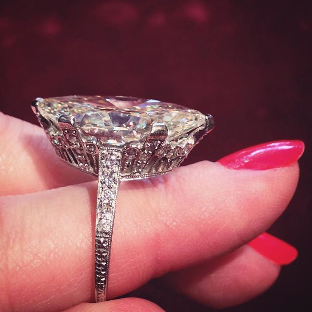 Detail - Antique engagement ring centering a faint yellow 9.55 carat moval diamond