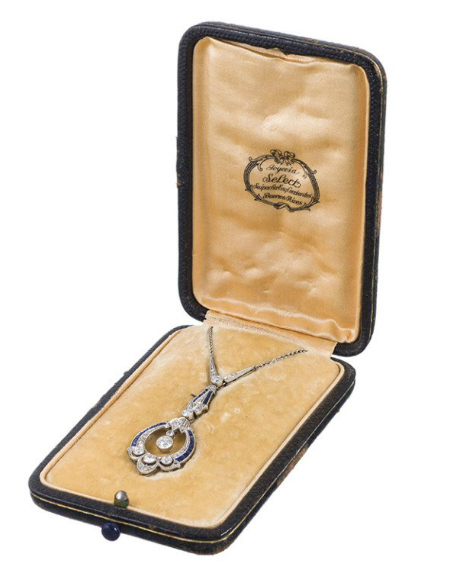 Art Deco diamond and sapphire pendant, circa 1920. Original box! Via Diamonds in the Library.